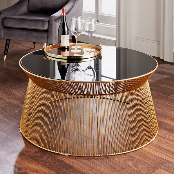 gold round table situ